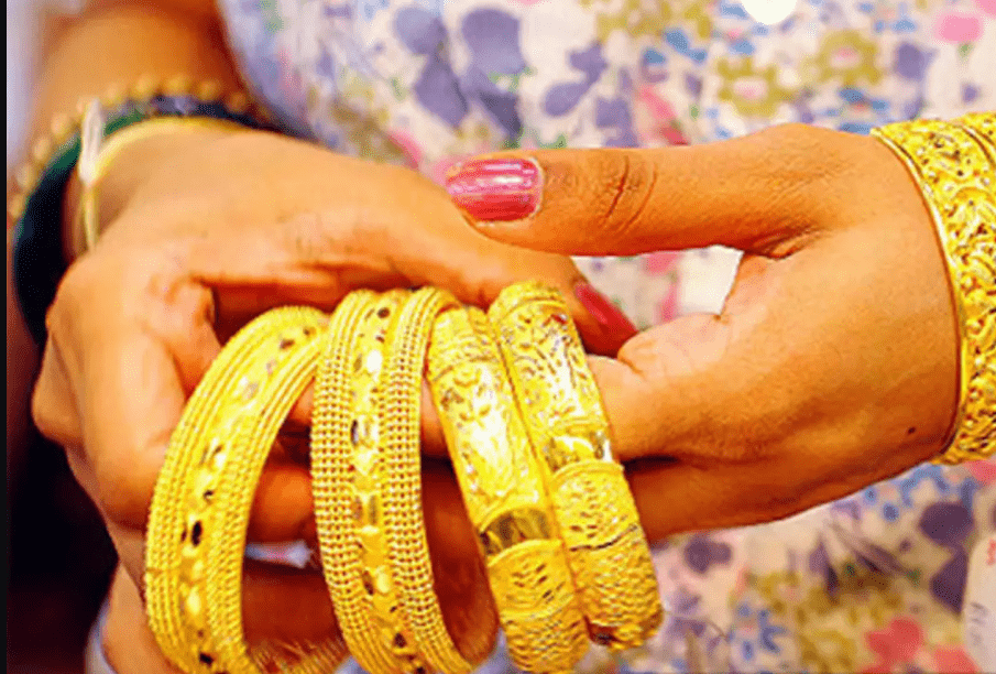 You are currently viewing Investing in gold? Know how much tax you need to pay while selling different types of gold